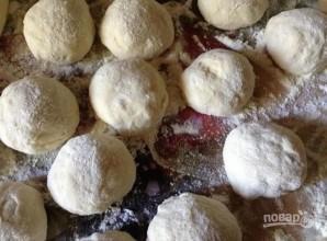 Пирожки жареные (на кефире) - фото шаг 7