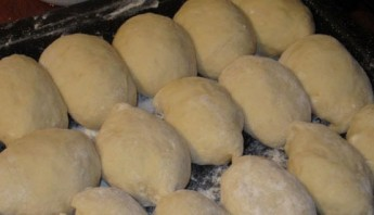 Сладкие пирожки с вишней - фото шаг 4