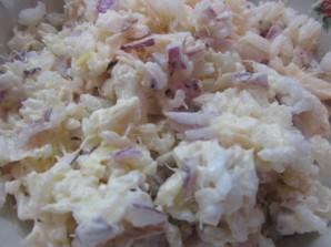 Салат с рыбой горячего копчения - фото шаг 4