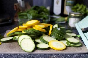 Салат из цукини и макарон - фото шаг 3