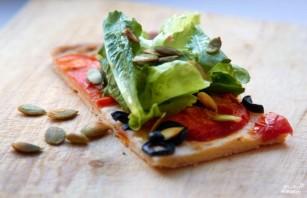 Пирог с томатами и салатом  - фото шаг 12