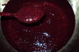 Варенье из шелковицы и клубники - фото шаг 2