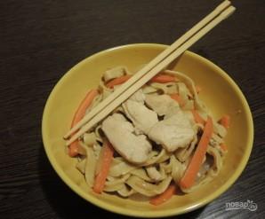 Яичная лапша с курицей и овощами - фото шаг 11