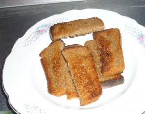Жареные бутерброды со шпротами - фото шаг 2