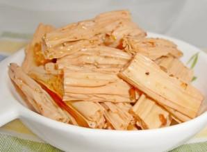 Спаржа с морковью по-корейски - фото шаг 1