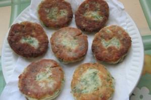 Соленые сырники с зеленью - фото шаг 5