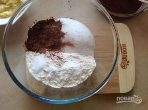 Очень шоколадные маффины с клюквой - фото шаг 4