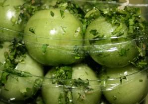 Засолка зеленых помидоров - фото шаг 5