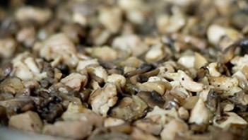 Пирожки с грибами и курицей - фото шаг 3
