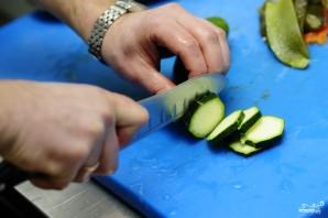 Салат из тушеных овощей - фото шаг 4
