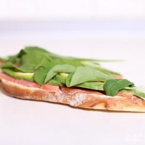 Сэндвич со слабосоленой семгой и авокадо - фото шаг 6