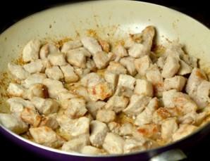 Гуляш из свинины на сковороде - фото шаг 2