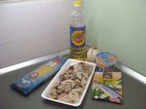 Морской коктейль с макаронами - фото шаг 1