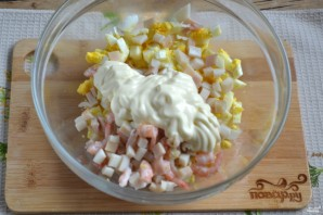 Салат с кальмарами и креветками - фото шаг 5