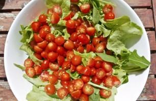 Салат с малосольной семгой - фото шаг 1
