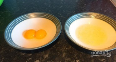 Оригинальная яичница на завтрак - фото шаг 2