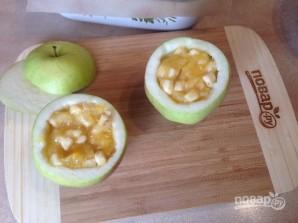 Яблоки, запеченные с джемом и бананом - фото шаг 4
