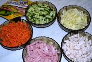 Салат горками на блюде - фото шаг 4