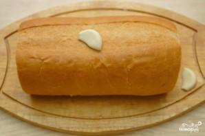 Гренки с чесноком и сыром в духовке - фото шаг 1