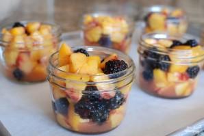 Десерт из персиков и ежевики - фото шаг 8