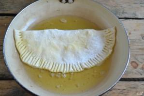 Чебуреки с сыром - фото шаг 7