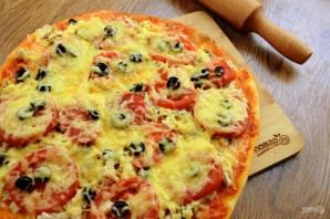 Тонкая пицца на дрожжевом тесте - фото шаг 11