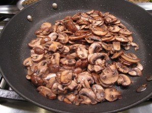 Салат с мясом и грибами - фото шаг 2