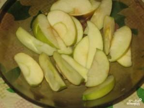 Десерт из яблок в мультиварке - фото шаг 1