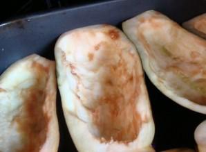 Лодочки из баклажанов с грибами - фото шаг 2