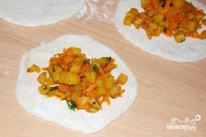 Вегетарианские чебуреки - фото шаг 6