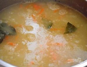 Гороховый суп с копчеными ребрышками - фото шаг 3