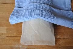 Хлеб на кефире без дрожжей - фото шаг 4