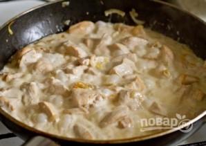Курица с базиликом и сметаной - фото шаг 5
