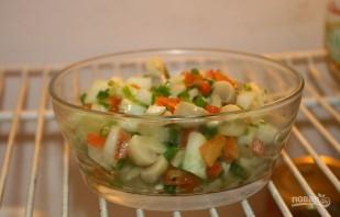 Салат с грибами без майонеза - фото шаг 6