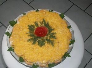 Рыбный салат с крекерами - фото шаг 7