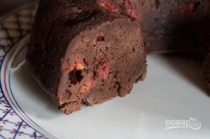 Шоколадный пирог с вишней и миндалем - фото шаг 9