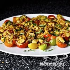Салат из помидоров с сухариками - фото шаг 4