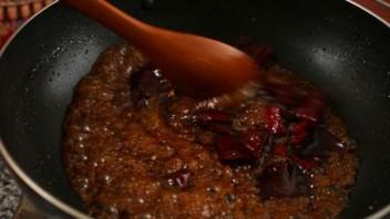 Крылышки в кляре на сковороде - фото шаг 5