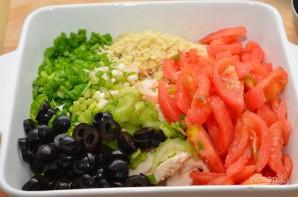 Салат с помидорами и курицей - фото шаг 2