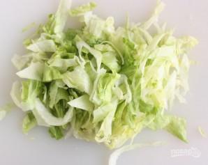 Вкусный салат из крабовых палочек - фото шаг 3