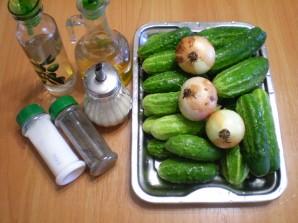 Огуречный салат с луком на зиму - фото шаг 1