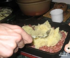 Картофельная запеканка с сырым фаршем - фото шаг 3