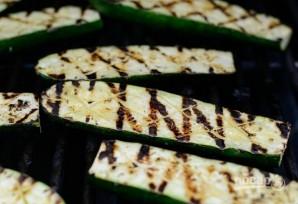 Цукини на гриле с чесноком и сыром - фото шаг 5