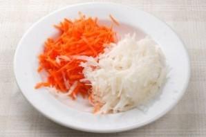 Свежий салат из капусты с морковью - фото шаг 2