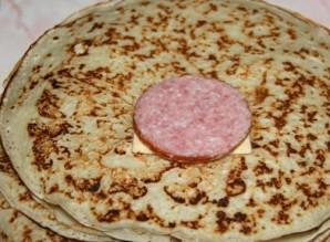 Блинчики с копченой колбасой - фото шаг 6