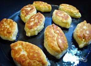 Пирожки с черемшой, рисом и луком - фото шаг 6