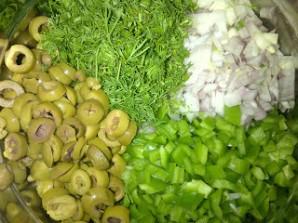 Картофельный салат с маслинами - фото шаг 3