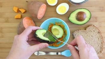 Пюре из авокадо и батата - фото шаг 3