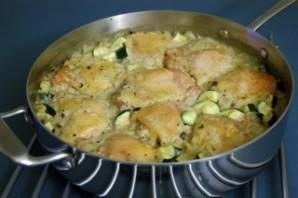 Рис с курицей в соусе в духовке - фото шаг 8
