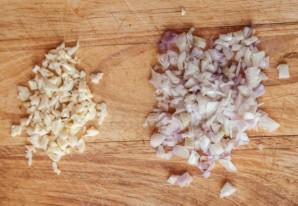 Паста с морепродуктами в сливочном соусе - фото шаг 1